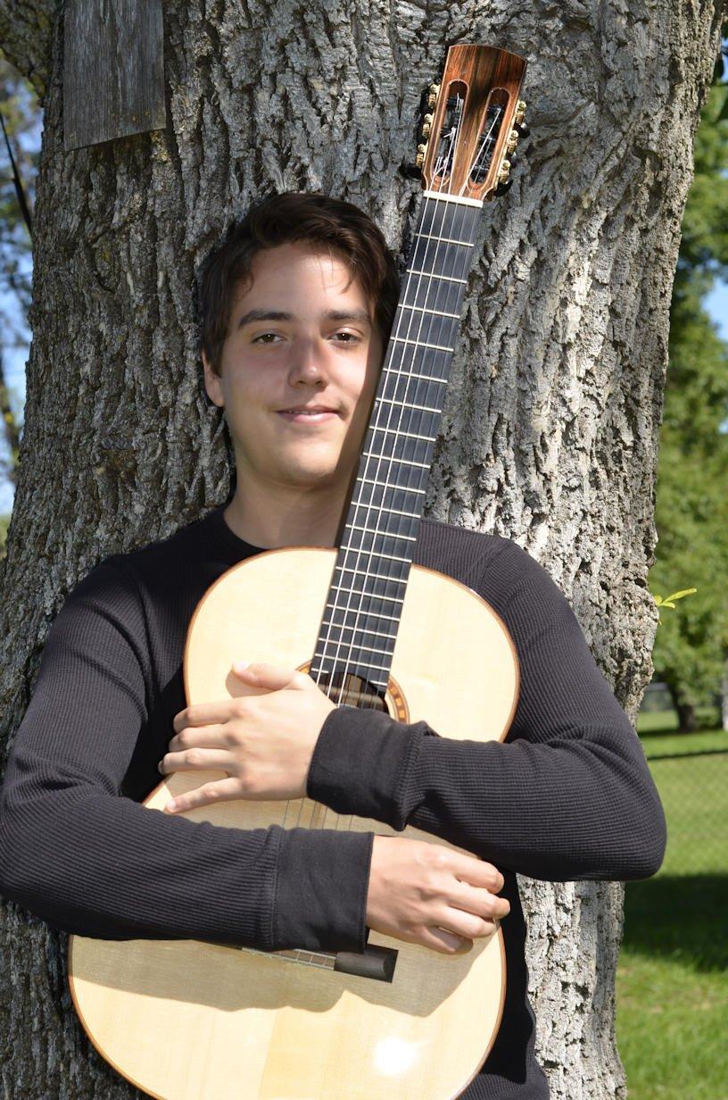 Xavier Jara - Guitarist