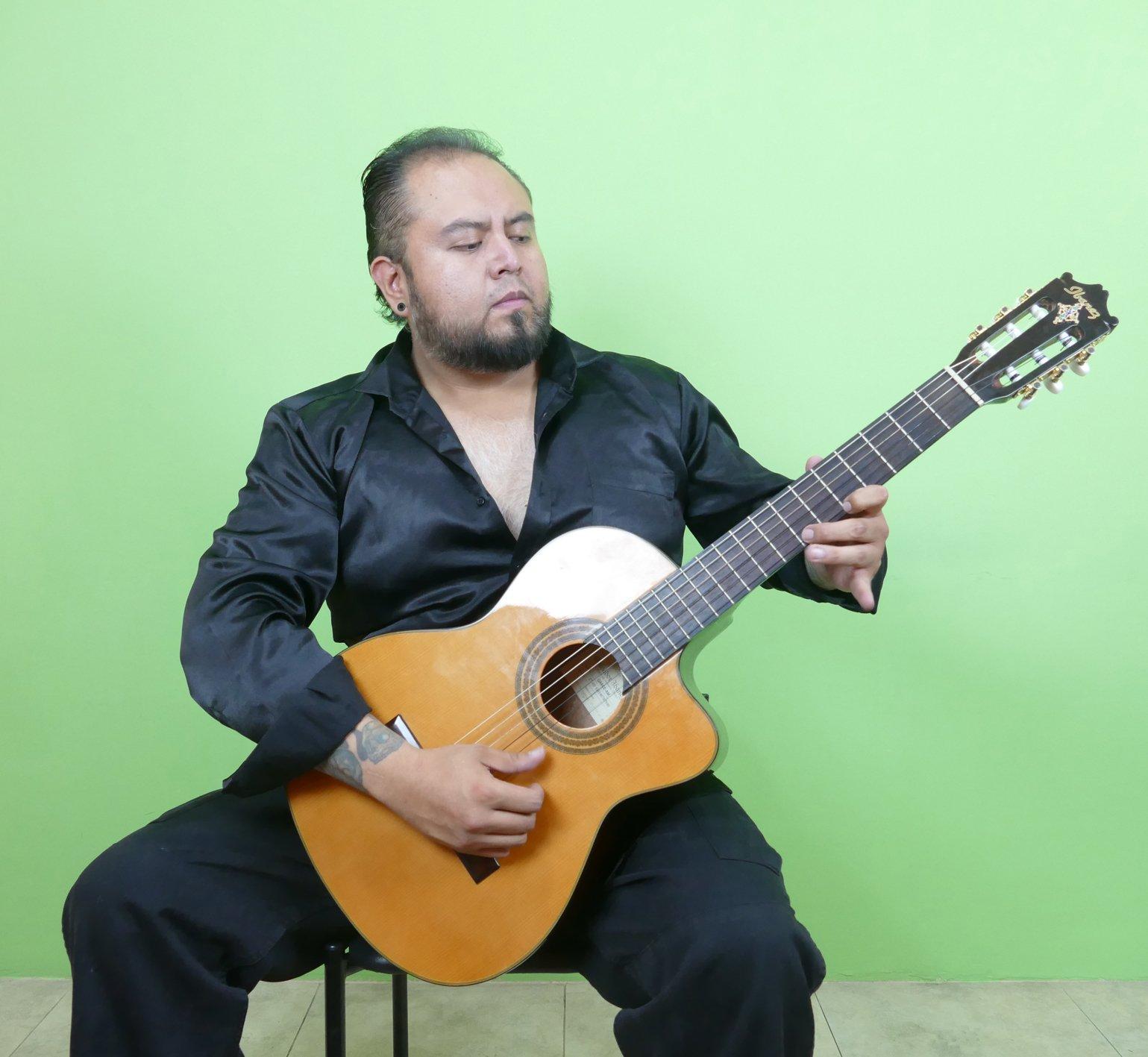 Photo of Guitarist Khrizzth Qzintana