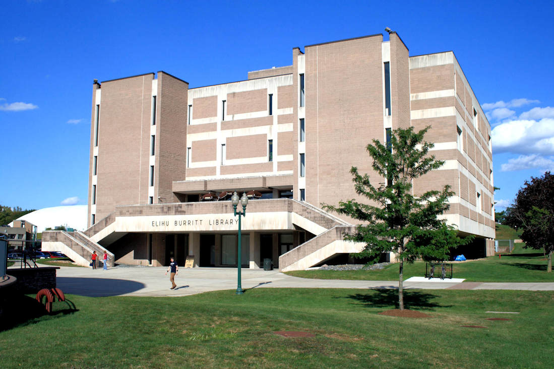 Exterior photo of the Elihu Burritt Library at Central Connecticut State University