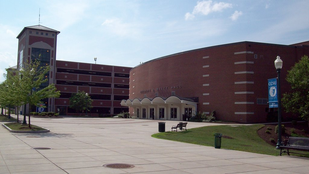 Exterior photo of Welte Hall at Central Connecticut State University
