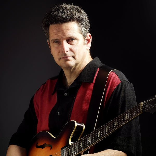 Photo of Guitarist Mark Nomad